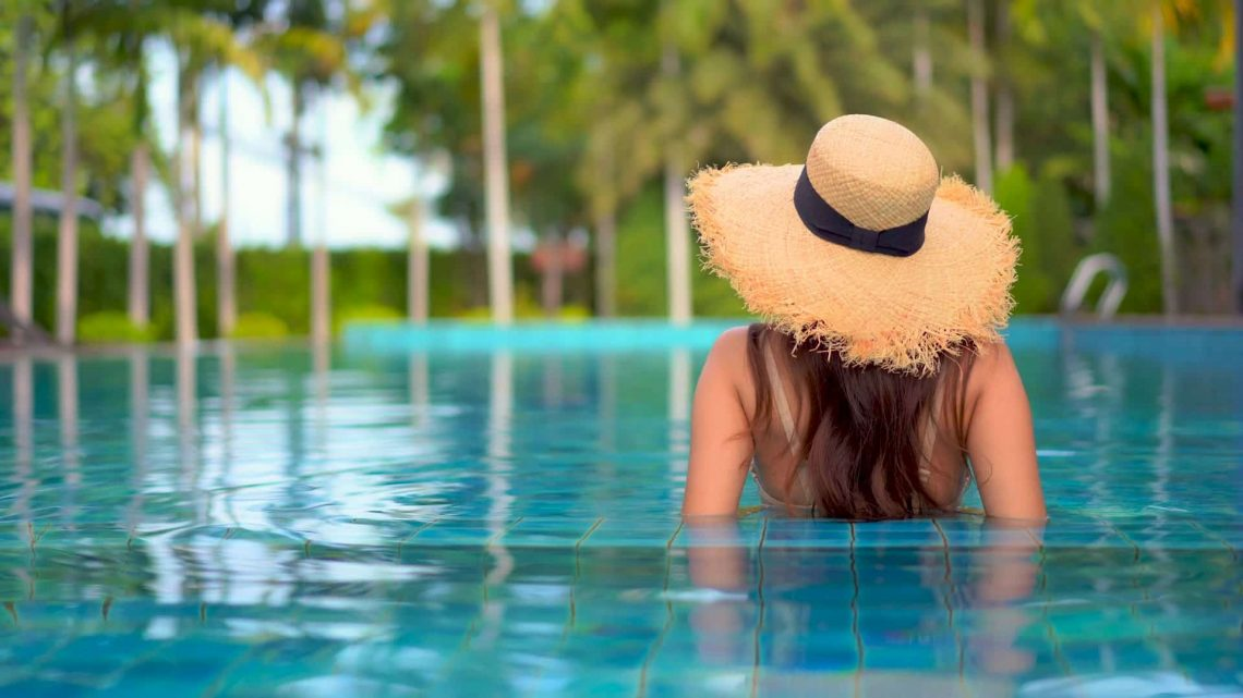 Hire Swimming Pool Cleaning Service from Credible Source