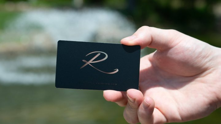 Using Business Cards For an Apparel Brand